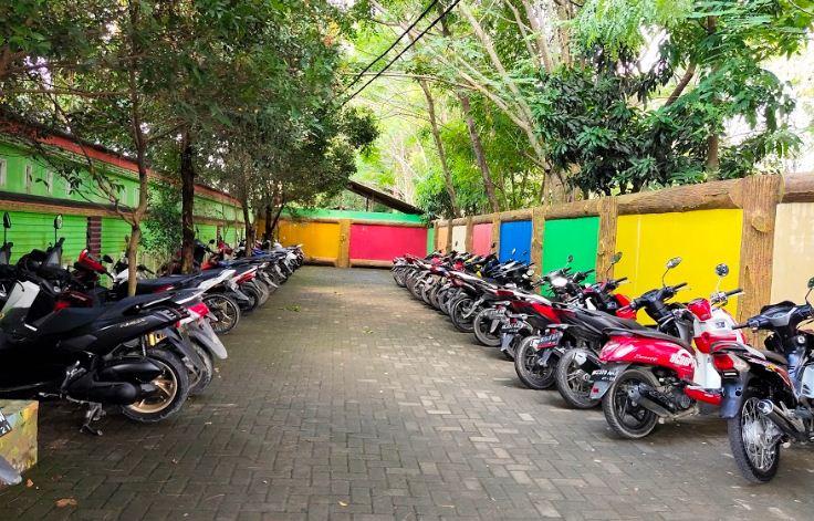 lokasi parkiran sepeda motor