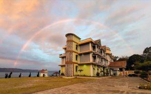 Gambar Pelangi di Hotel Debang Resort